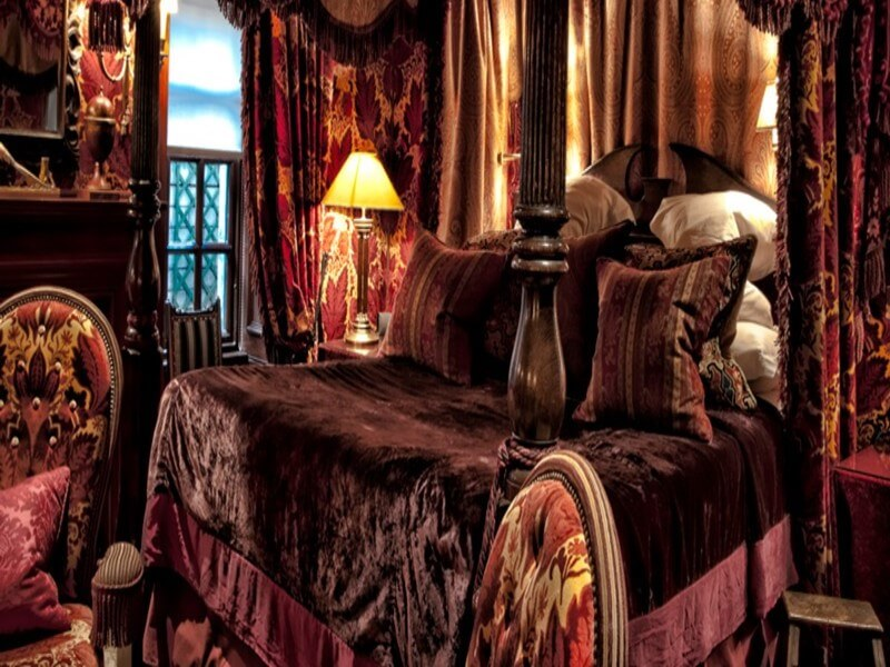 The Witchery bed room